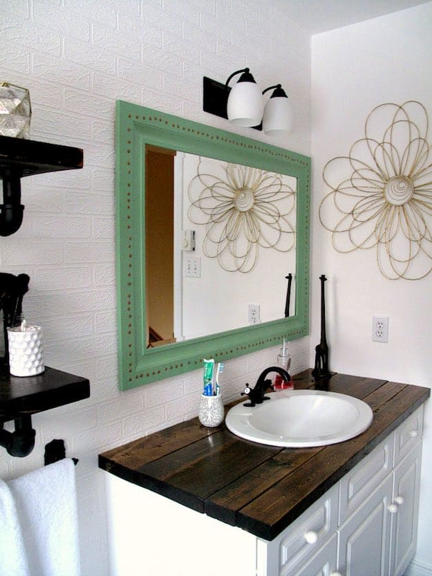C:\Users\user\Downloads\02OkiAdi4\Milda\Beauty on a Budget 6 Chic and Cheap DIY Bathroom Vanity Plans\6. Modified bathroom vanity from a dressing table - diyprojects.com.jpg